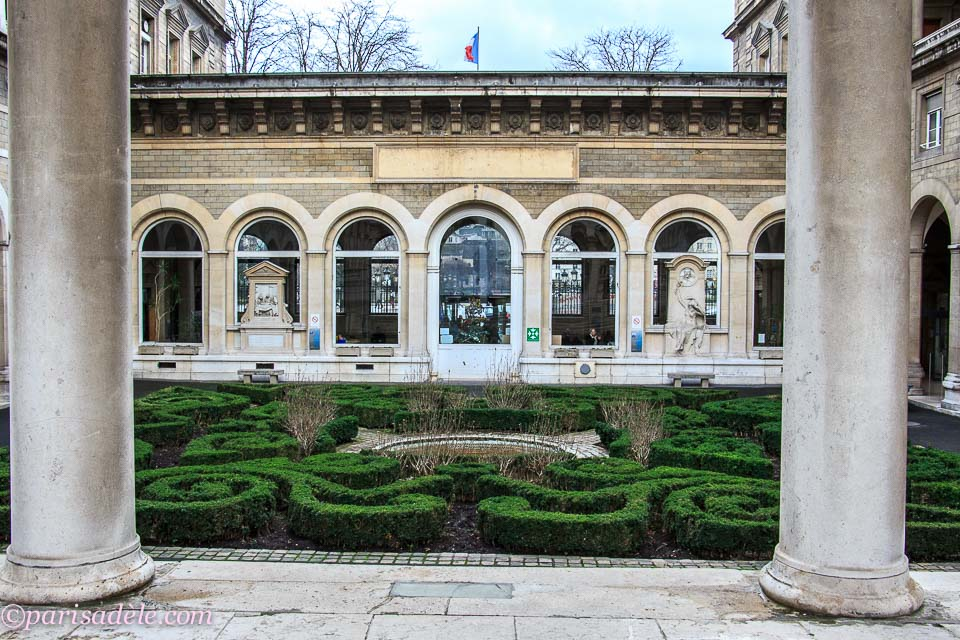 Secret garden h pital h tel dieu paris ad le for Paris secret hotel