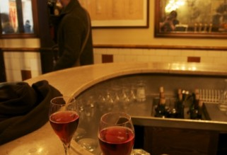 Kir Royale at Petit fer a Cheval