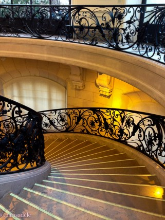petit palais staircase