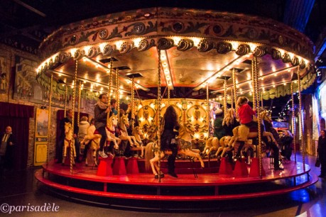 historic carousel rides paris