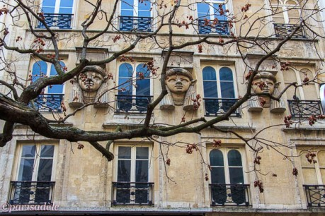 godess hathor passage du caire paris facade