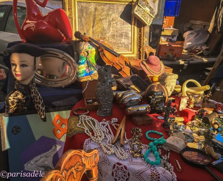 vintage clothes retro second hand hats paris markets