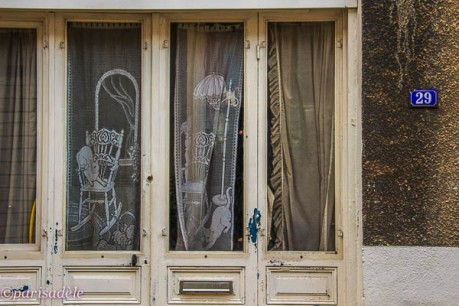 cat curtains paris rue thermopyle
