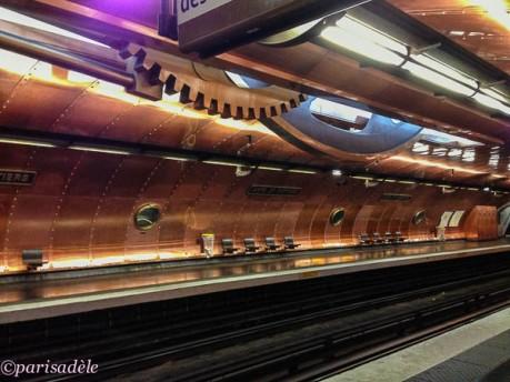 arts et metiers metro platform paris