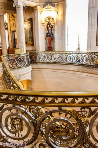 chantilly castle staircase