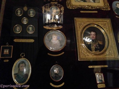 miniature paintings chantilly castle france