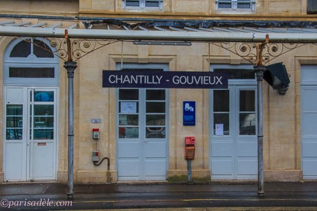 catch train from paris to chantilly