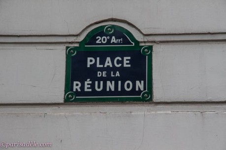 paris 20th arrondissement place de la reunion street sign