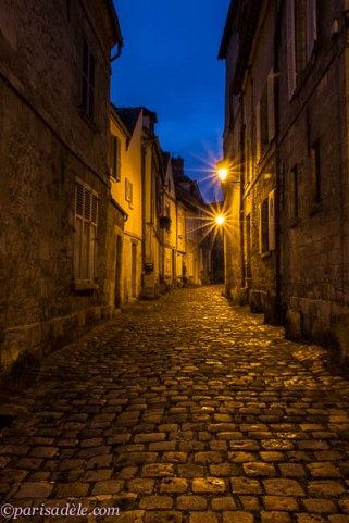senlis night cobbled street