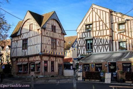 france medieval architecture Provins