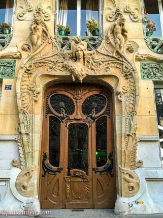 door 29 avenue rapp paris