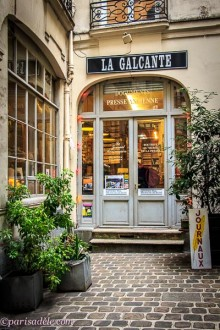 La-Galcante-Paris-books-magazines-newspapers-journals-vintage-postcards