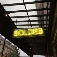 Paris Adele Goes Shopping